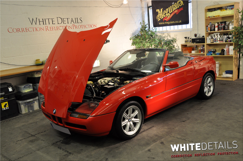 bmw z1 portfolio white details. Black Bedroom Furniture Sets. Home Design Ideas